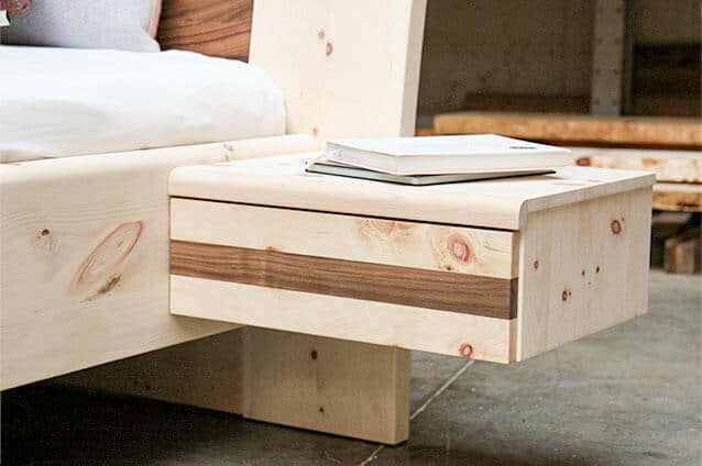Nachtkästchen Vesa aus Zirbenholz mit Schublade