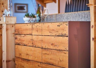 Sideboard aus venezianischer Eiche, grifflos mit Tip-On