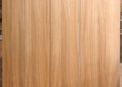 Einbauschrank aus Eiche und imi-Beton-Griffleisten