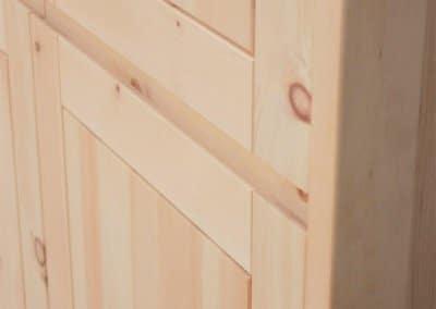 Rahmenfronten aus Zirbenholz